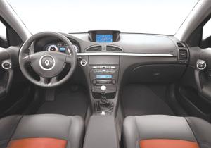 Essais auto interieur renault laguna ii auto for Interieur laguna 2